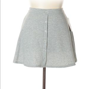 Joe B short gray skirt in size Large